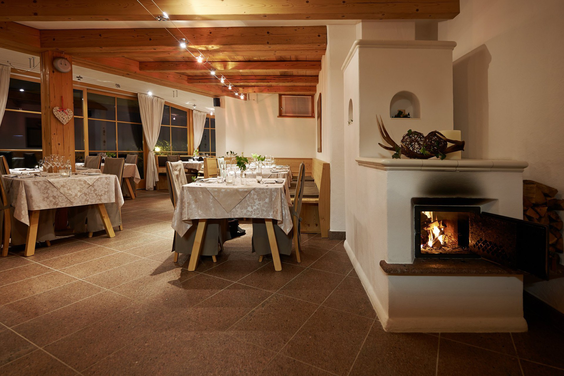Chalet grumer suites & spa **** on the ritten plateau ...