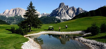 Teich am Golf Platz Alta Badia Gadertal