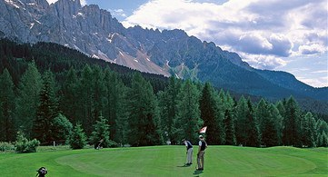Sguardo panoramico Golf Club Carezza