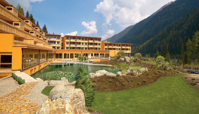 Arosea life balance in ultental selected hotels for Lifestyle hotel sudtirol
