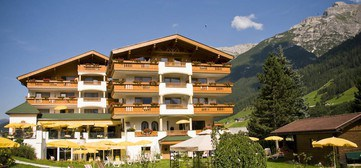 Adler hotel wellness spa in andalo for Design hotel stubaital